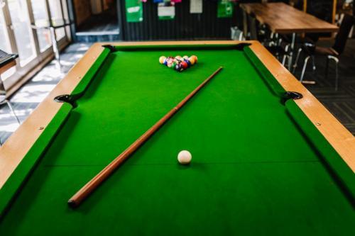 Murphys of Healesville Jarrah Pool Cue 3